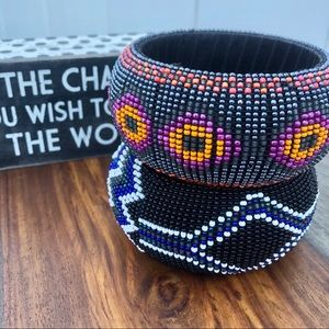 Set of 2 beaded cuff bracelets, African motif OS